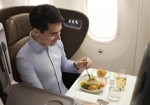 Green New Meal: Airline Food Is About To Get a Whole Lot Fresher