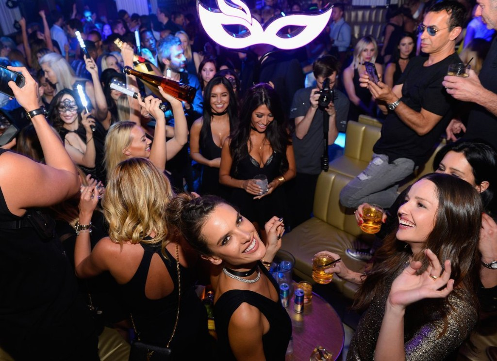 The Strange Rituals Of Super-Rich Partying Exposed