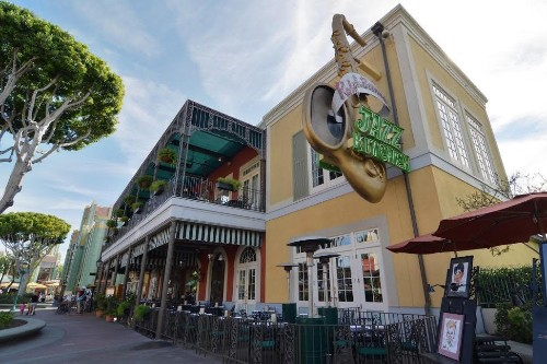 Here's What To Order At Ralph Brennan's Jazz Kitchen, Downtown Disney's Coolest Spot