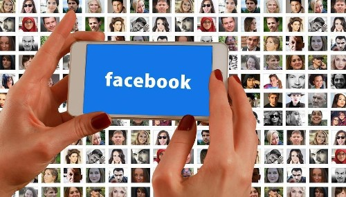 Social Media, Smartphones And Long-Form Journalism: What's Up With Facebook?