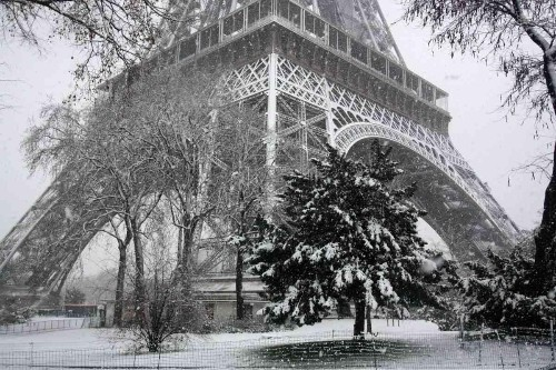 The City of Light Shines On: 5 Reasons to Visit Paris In Winter 2015