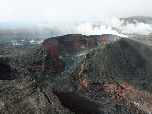 Earthquakes Are Taking Place On Hawaii's Kilauea Volcano - Here's Why