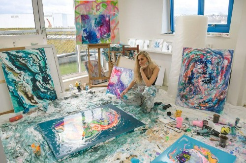 How This Artist Makes A Lucrative Living As A Creative, Exclusively Via Instagram