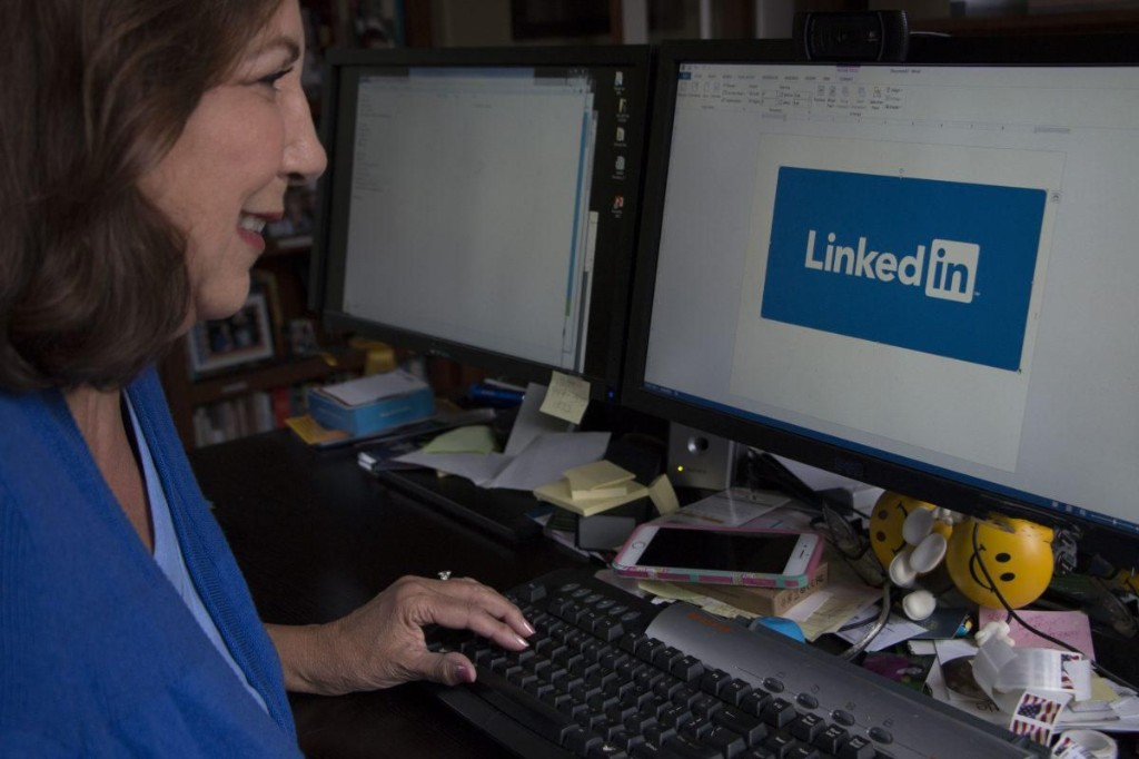 How To Write A LinkedIn Headline That Gets You Noticed