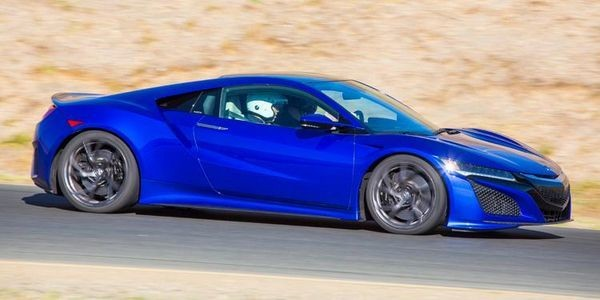 2017 Acura NSX Brings Advanced Performance And Technology To The Supercar Party