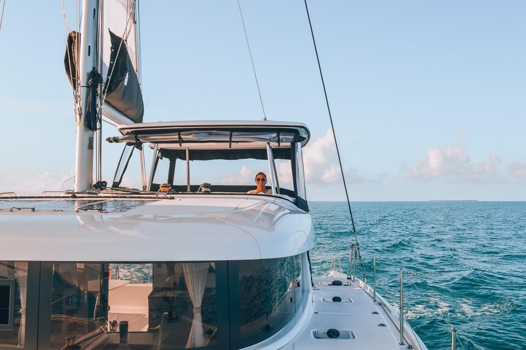 This Blogger Earns Over $1 Million Per Year While Sailing a Luxury Sailboat