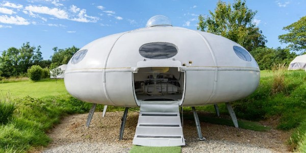 Airbnb Invites You To Sleep In A Spaceship For An Outrageously Low Price