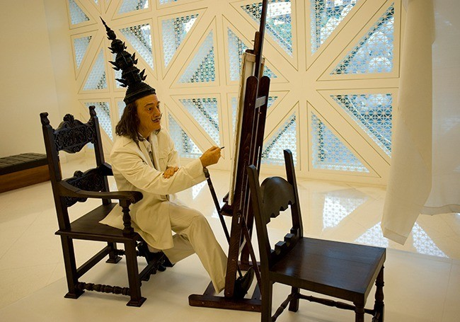 From Mobile to Art: Boonchai of Thailand Opens Private Museum