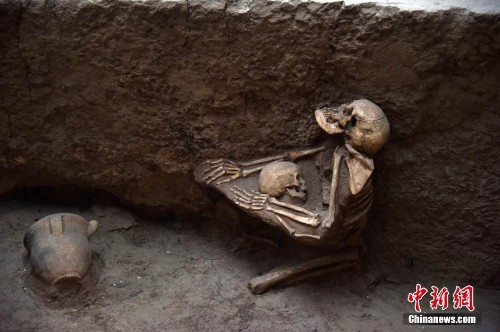 DNA Reveals That It Was Not The Mother Protecting This Child In The 'Asian Pompeii'