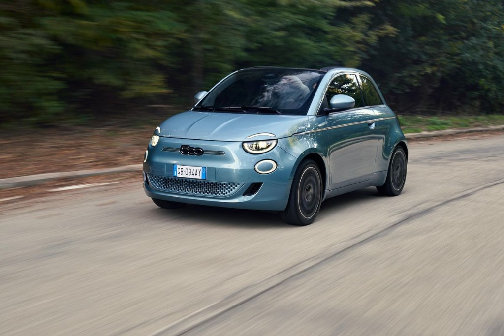 Fiat Launches New 500 Electric Minicar, Unlikely To Lose $14,000 With Every Sale