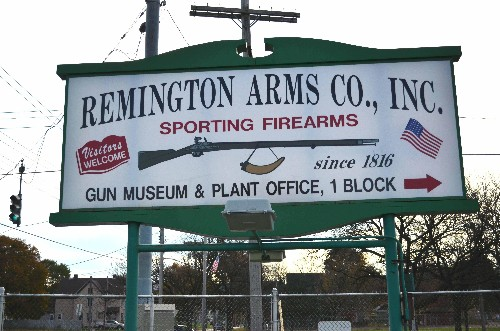 America's Oldest Gun Maker Thumbs Its Nose At A Two-Faced Senator