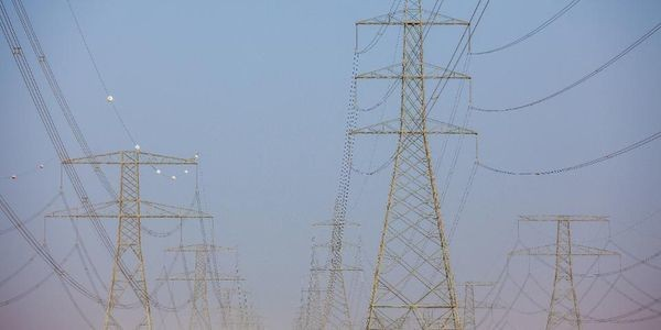 World's Largest Solar Power Plant Switched On