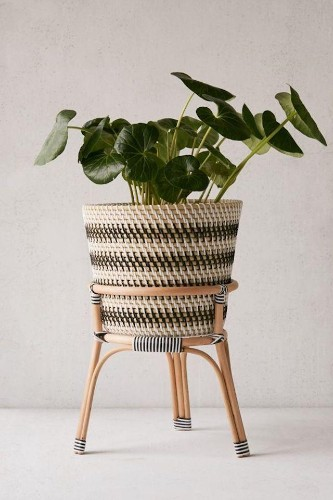 7 Large Planter Pots For Indoor and Outdoor Plants
