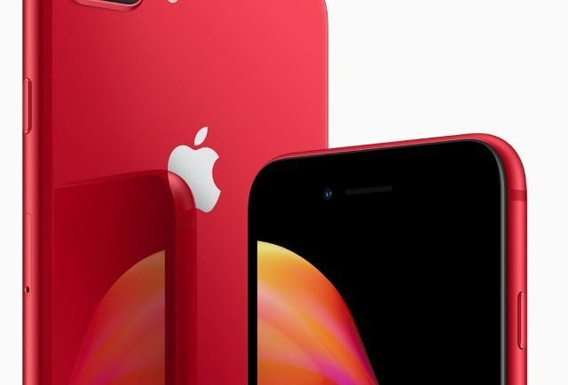 Apple Loop: New iPhone Details Leak, Serious iOS Problems Discovered, iPhone 8 Plus Defeated