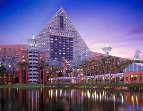 How Theme Parks Help To Break New Ground In The Hotel Industry
