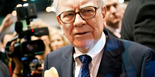 Warren Buffett Scorches the Hedge Funds