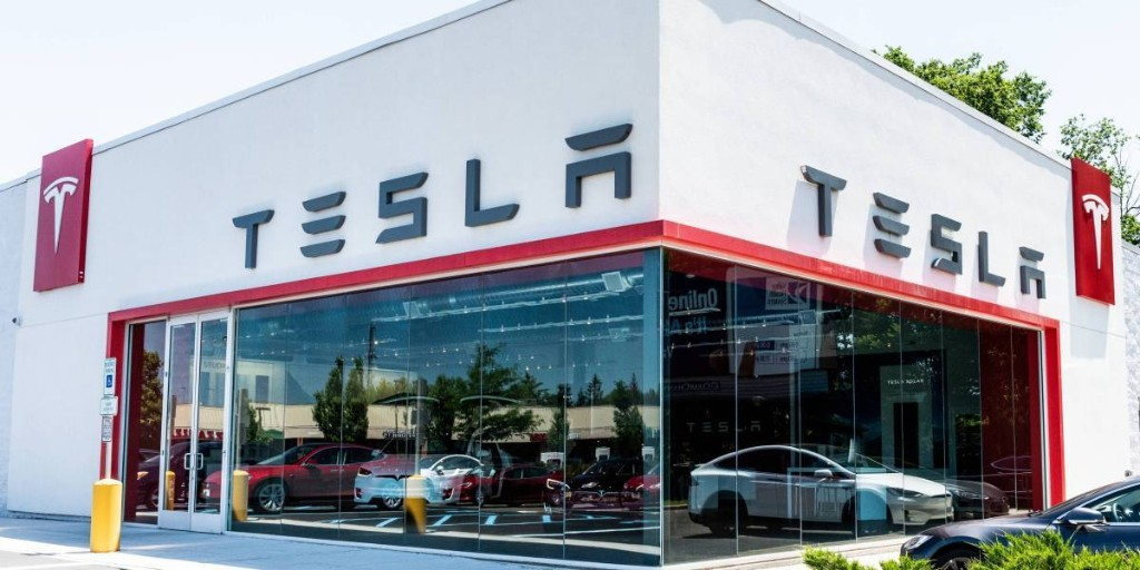 Tesla's Cost-Saving Plan to Close Stores Hits a Legal Speed Bump: Its Retail Landlords