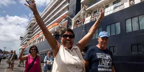 Fears of a global coronavirus contagion rage as 3,000 cruise ship passengers return home