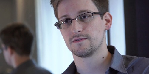 """Snowden May Return to U.S. as """"Gift"""" from Russia, Report Says"""