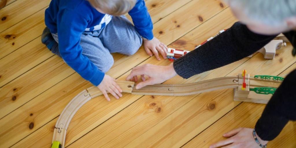 Coronavirus: Australia provides free childcare during crisis