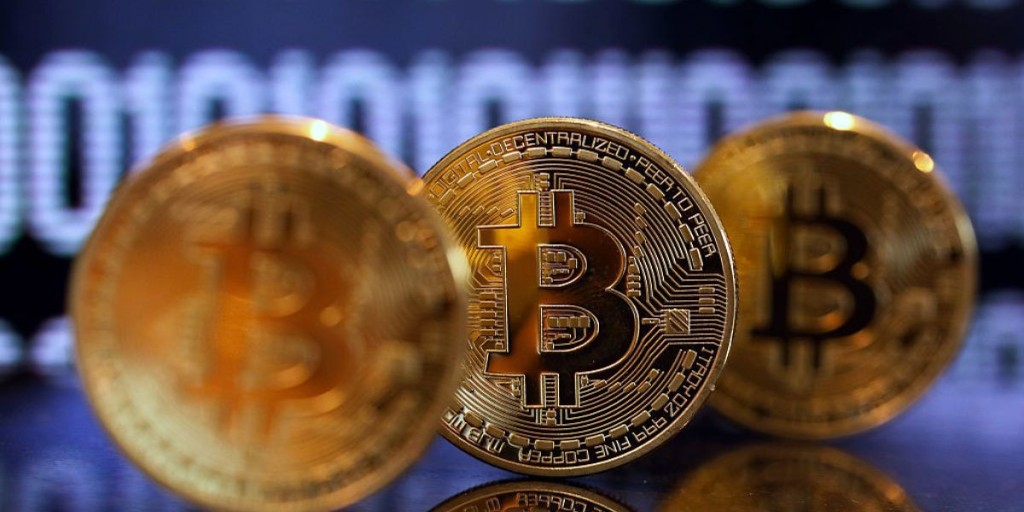 Bitcoin Price Falls Sharply After Reaching a High of $5,000