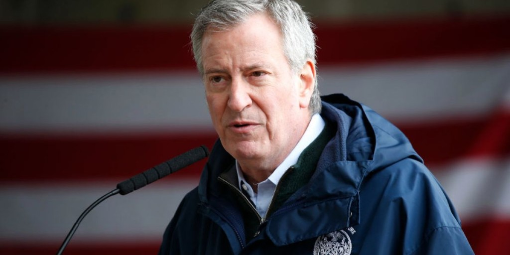 NYC mayor Bill de Blasio urges national enlistment program for doctors