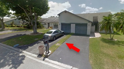 Man says South Florida villa he bought at government auction turned out to be a foot-wide piece of land