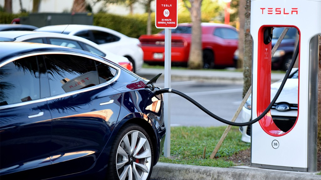 California adds electric vehicle fees up to $175