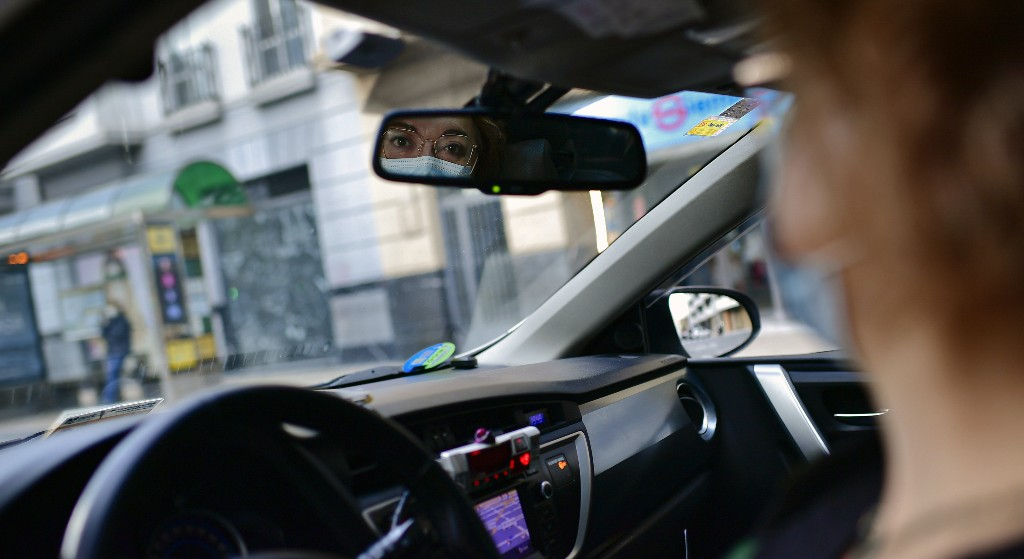 Spanish taxi drivers, chauffeurs go the extra distance to help amid coronavirus pandemic