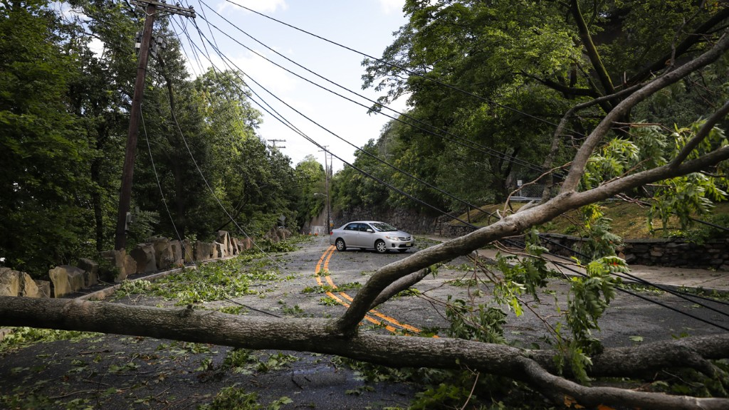 Power outages after Tropical Storm Isaias spur New York, Connecticut to demand probes