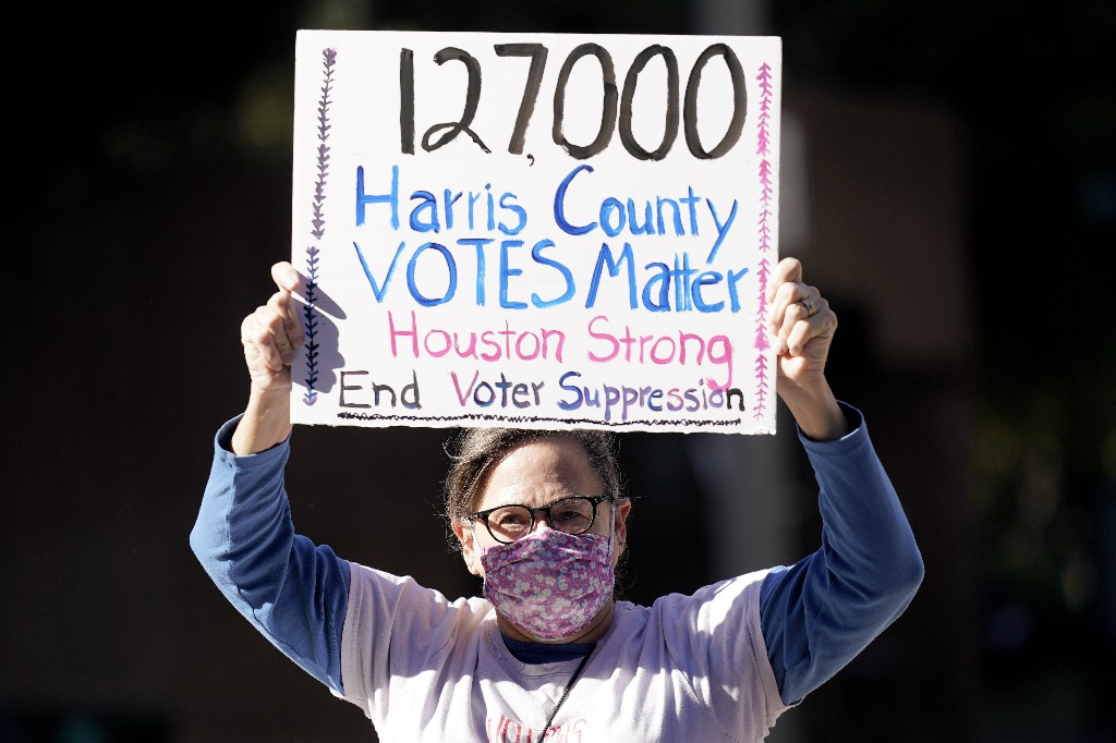 Judge rejects GOP effort to throw out 127,000 Houston votes