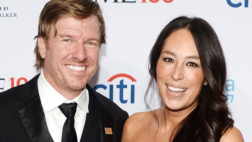 Joanna Gaines says she and husband Chip 'leaned on each other's strengths' during past 'moments of weakness'