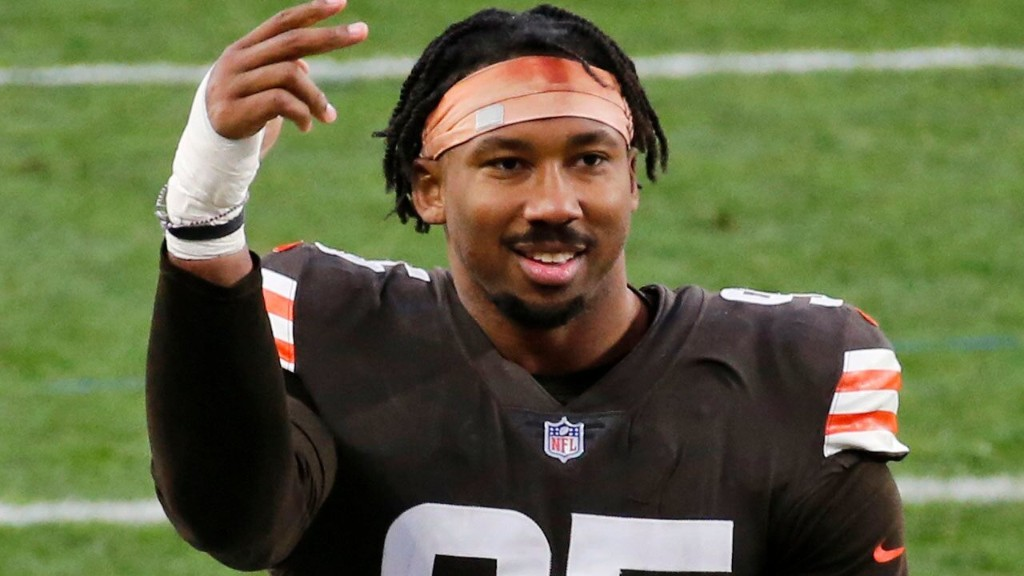 Browns star Garrett to miss second game with COVID-19 virus