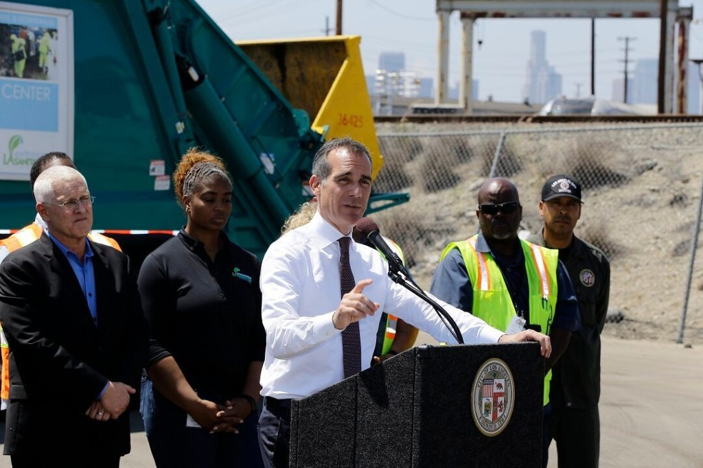 Los Angeles mayor says he's the 'older, straighter' Mayor Pete: report
