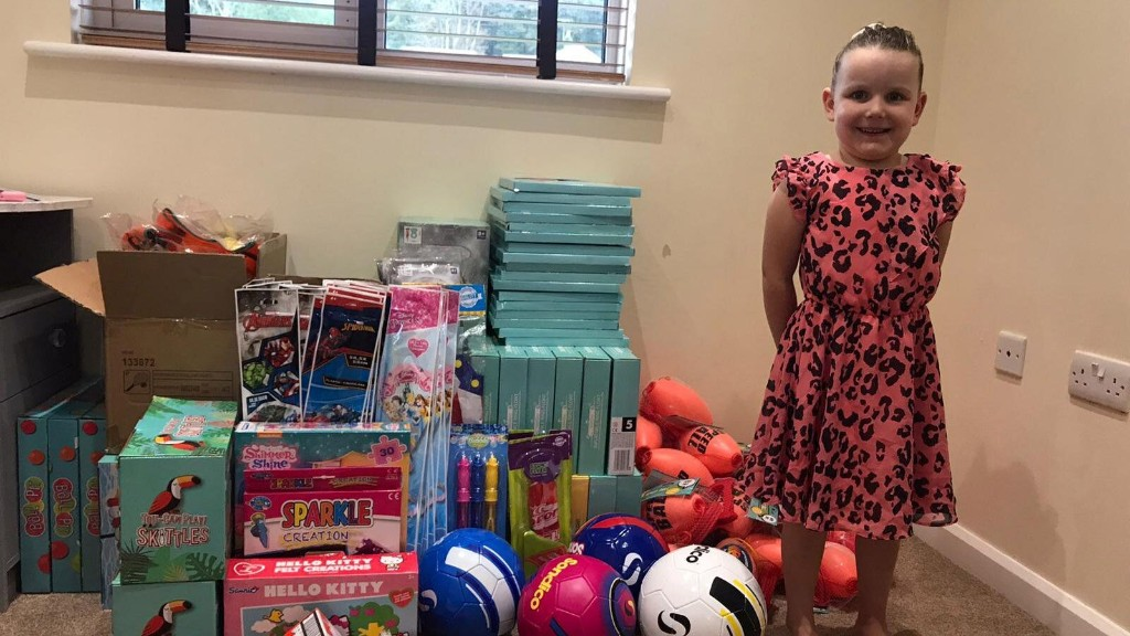 4-year-old begins making Christmas care packages for needy children after having bad dream