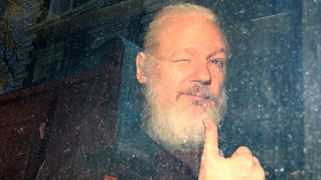 London court delays Julian Assange extradition hearing