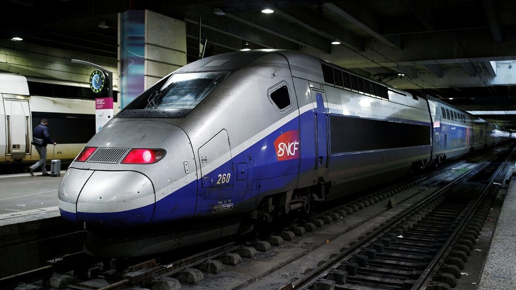 France evacuates coronavirus-stricken patients aboard high-speed medical train