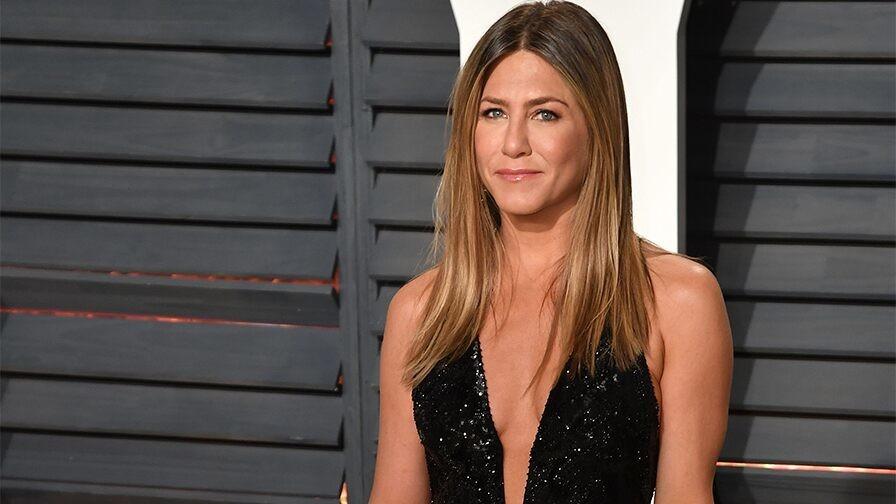 Jennifer Aniston reminds fans about National Voter Registration Day