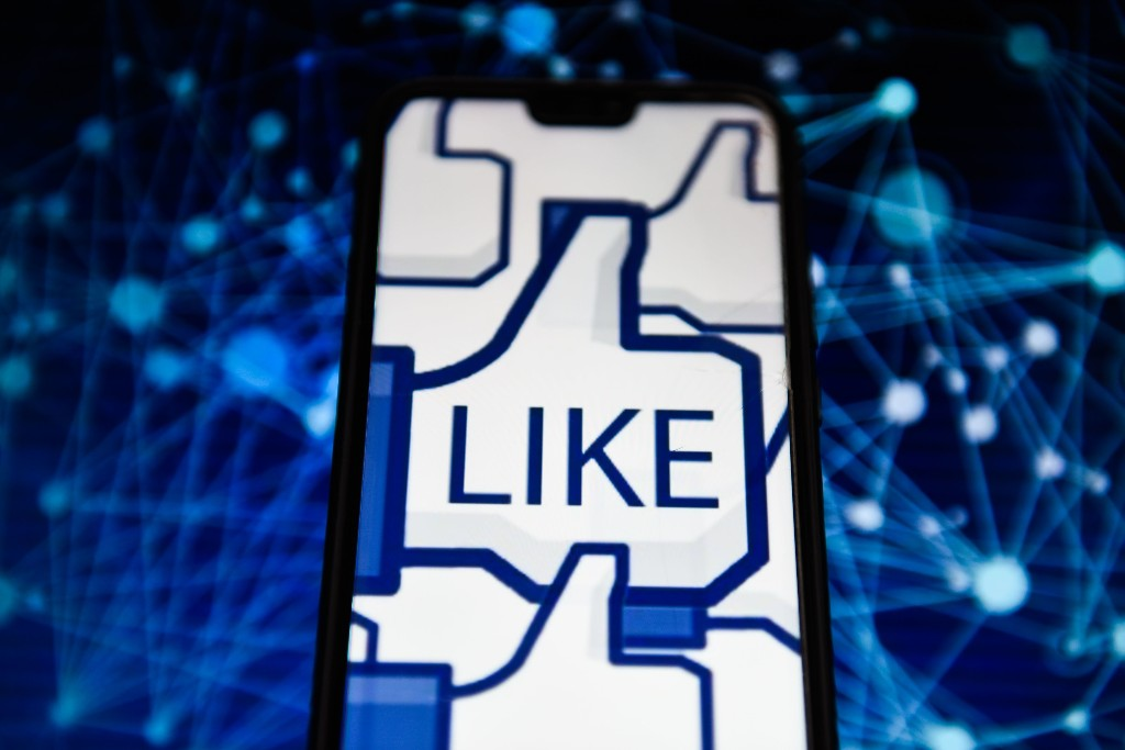 Facebook funds coronavirus coverage with grants to 400 local news outlets