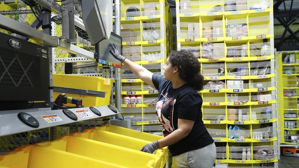 NY residents protest Amazon's plans to build massive warehouse near Niagara Falls