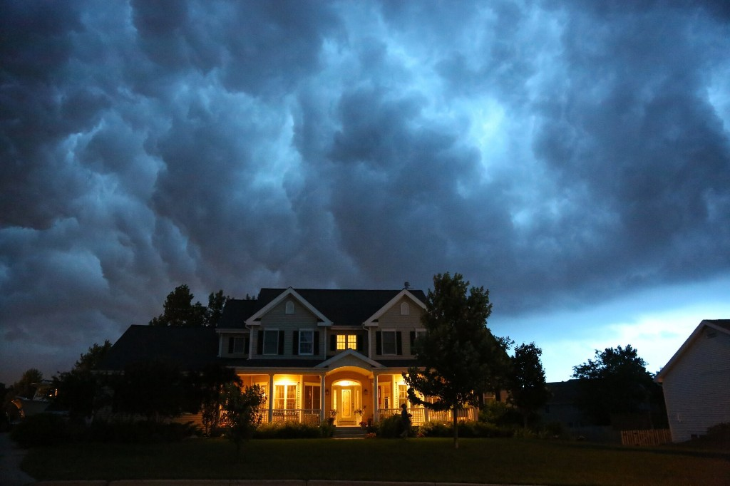 Thunderstorms associated with asthma, COPD flareups lead to more than 3,500 ER visits annually: study