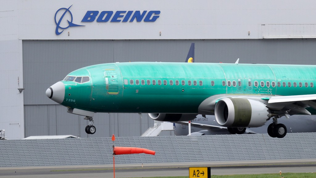 Boeing won't seek coronavirus-related government aid after raising $25B