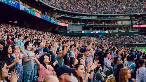 100,000 attend California crusade focused on God and country