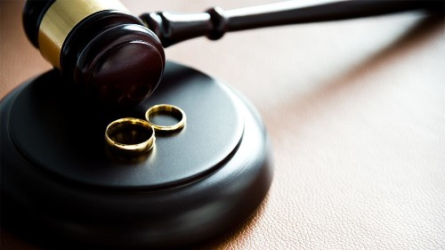 'Homewrecker' lawsuit results in $750G award for jilted husband who sued over wife's affair