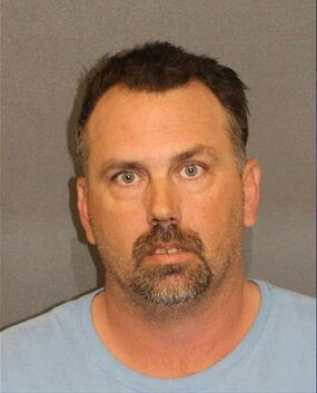 Arizona man gave gun to daughter, 14, told her to kill herself, officials say