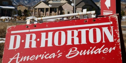 Accelerating housing market boosts homebuilder stocks