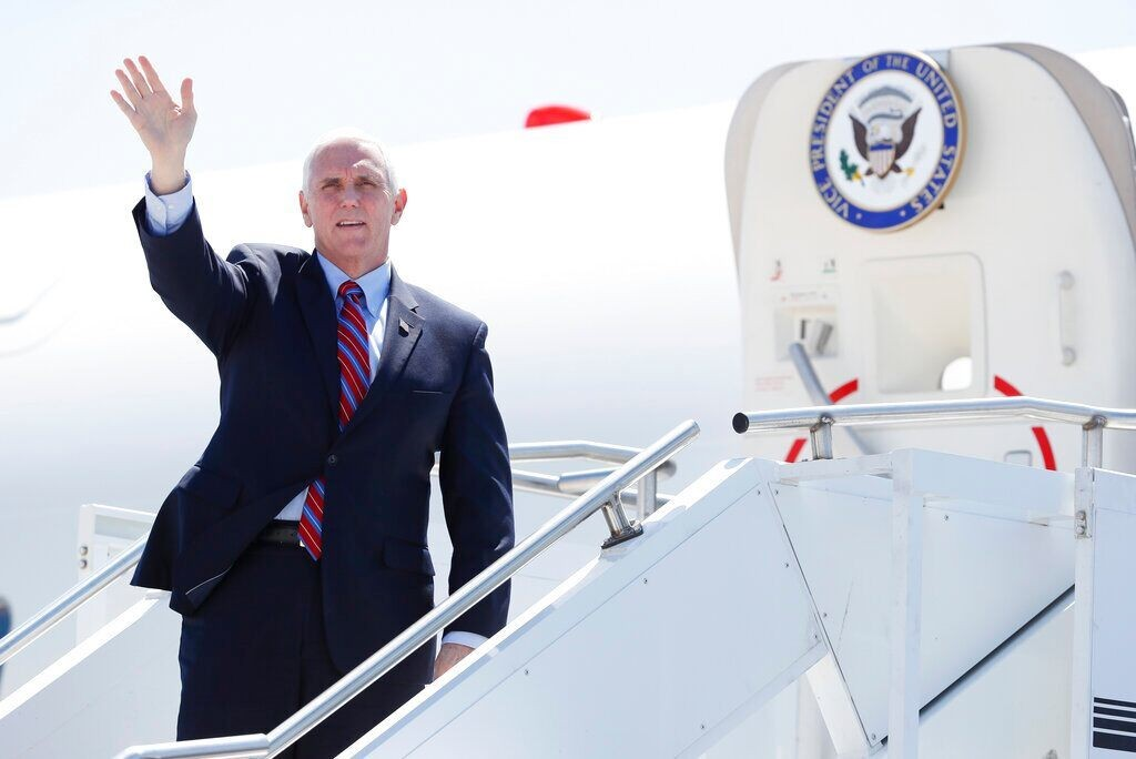 Air Force Two carrying VP Pence forced to turn around at New Hampshire airport