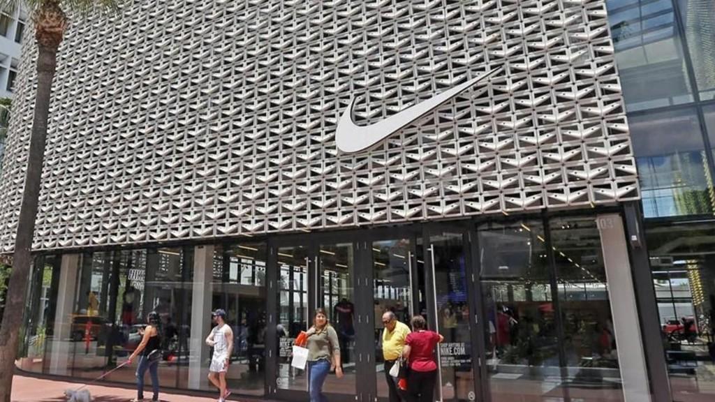 Nike eyes 500 layoffs at Oregon HQ