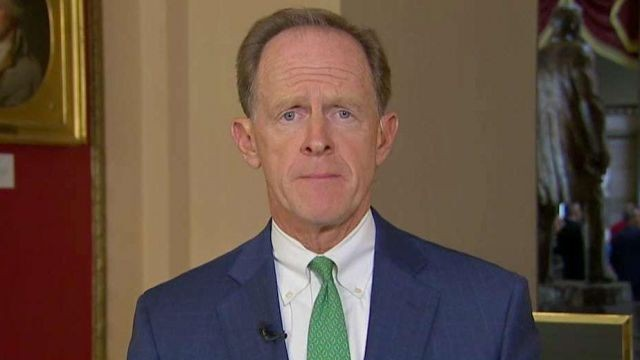 Sen. Pat Toomey urges background checks for all commercial gun sales