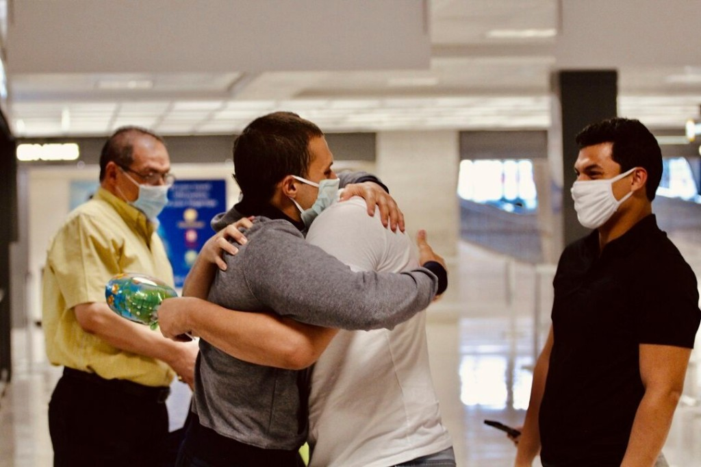 American student locked in Egyptian prison for over a year without trial is freed, returns to US